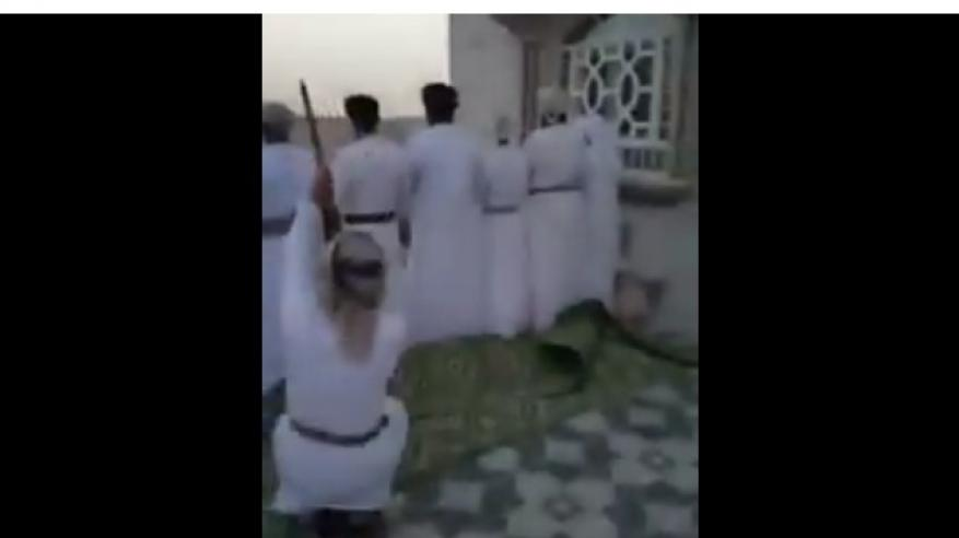بالفيديو.. القبض على مواطن أطلق النار خلف مجموعة من المصلين