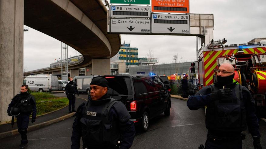 تحديد هوية منفذ عملية مطار أورلي بفرنسا