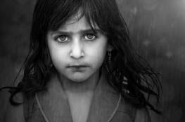 """هاجر الصبحية تهوى التصوير وتعد الكاميرا """"إحدى بناتها"""""""