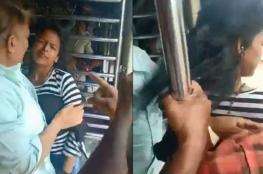 بالفيديو.. القدر ينقذ مراهقة من تحت عجلات قطار