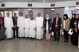 بلدية مسقط تطلع على تجارب البحرين في العمل البلدي
