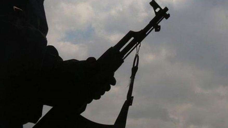 فيديو مروع.. يمني يقتل جيرانه رمياً بالرصاص