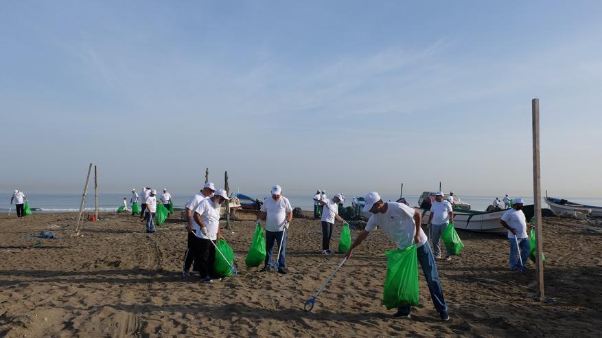معالي رئيس بلدية مسقط خلال المشاركة في الحملة