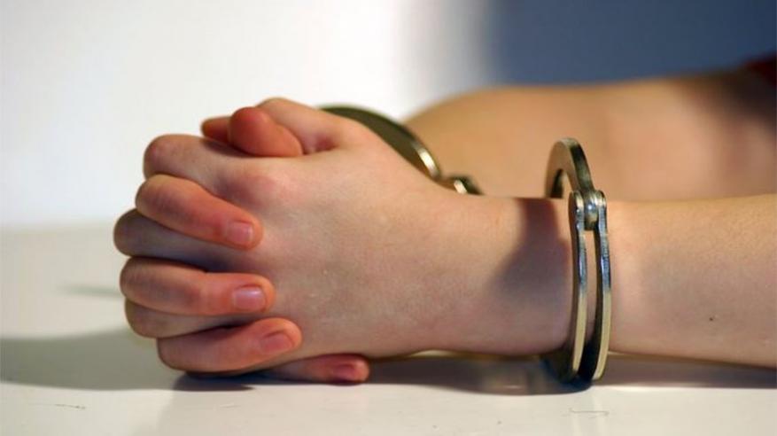 القبض على طفلة صغيرة لقتلها رضيع بوحشية في أمريكا