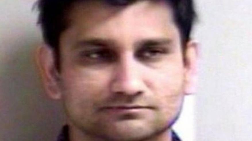 حبس هندي تحرش بامرأة نائمة وهو جالس بجوار زوجته في طائرة