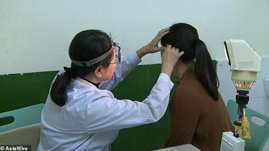 امرأة تحير الأطباء .. تسمع صوت النساء ولا تسمع صوت الرجال
