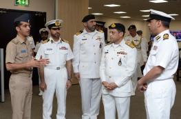 قائد البحرية السلطانية العمانية يستقبل مدير الأمن البحري الباكستاني