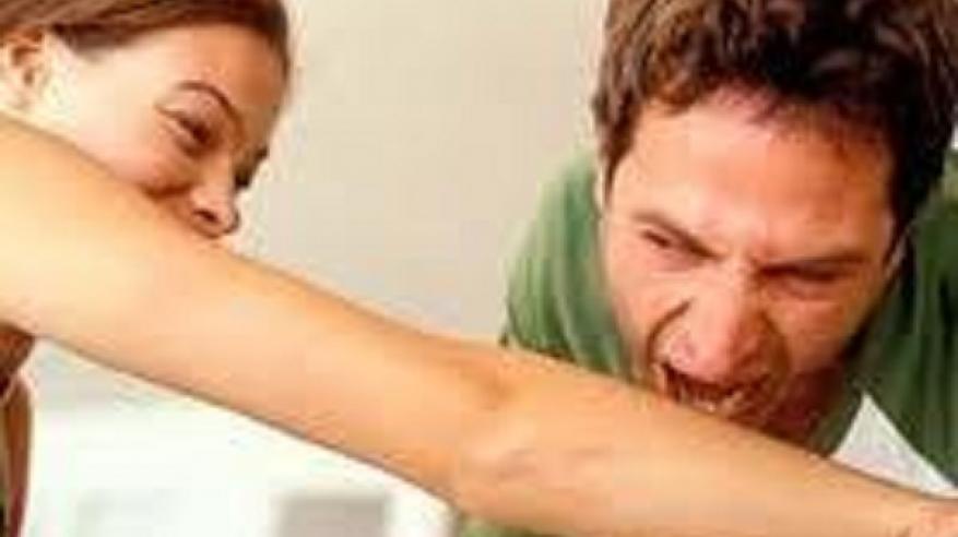 آسيوي يعض زوجته حتى الموت