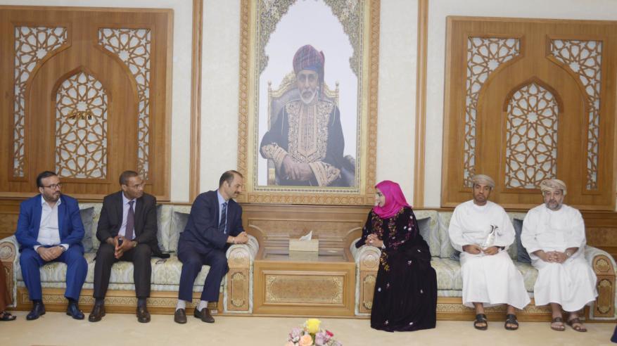 """وفد برلماني مغربي يتعرف على تجربة السلطنة في """"الحرفية"""""""