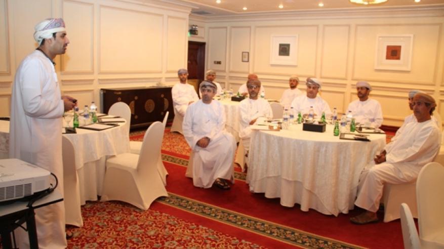 لقاء نقاشي لتقييم وتطوير برنامج الكفاءات الحكومية