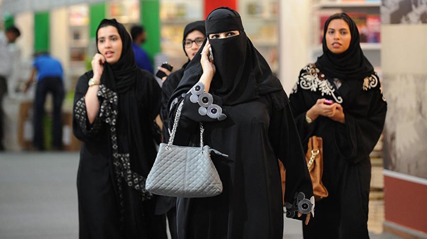 داعية سعودي: عباءة النساء ليست من تعاليم الإسلام