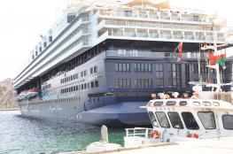 بدء موسم زيارة السفن السياحية لموانئ السلطنة.. و310 سفن تنقل آلاف السياح
