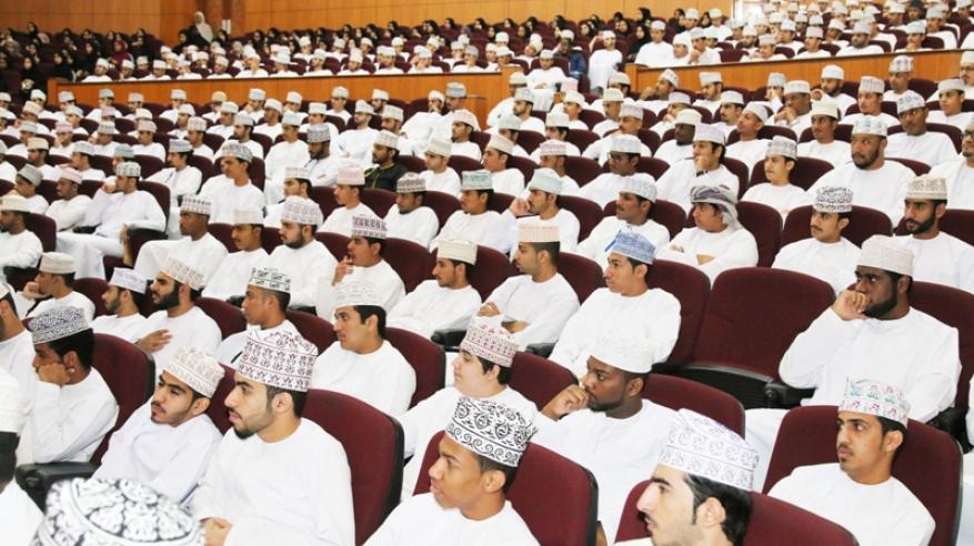"""""""التقنية العليا"""" تستقبل 1110 من الطلاب والطالبات الجدد"""