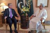 """وزير خارجية باكستان لـ""""الرؤية"""": جلالة السلطان أرسى دعائم نهضة يُحتذى بها.. وزياراتي لعُمان """"مثمرة للغاية"""""""