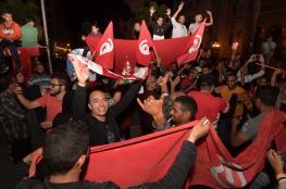 """تونس تحتفل بالرئيس الجديد على أمل """"استعادة روح الثورة"""""""