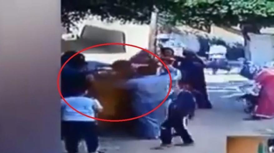 فيديو مروع .. مصري يحرق والده حيا