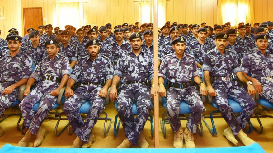 الضباط المرشحون التخصصيون وطلاب الدبلوم العام بالأكاديمية يزورون قيادة شرطة الظاهرة