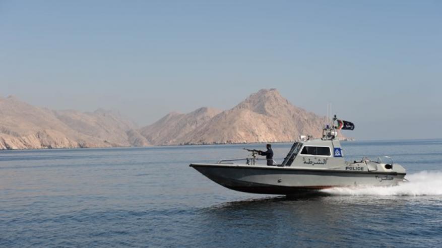 خفر السواحل تقدم المساعدة لـ 7 أشخاص في البحر