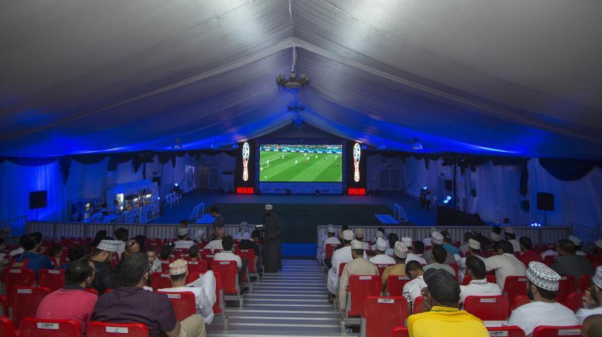 """خيمة عملاقة لعشاق مباريات المونديال في """"عمان أفينيوز مول"""""""