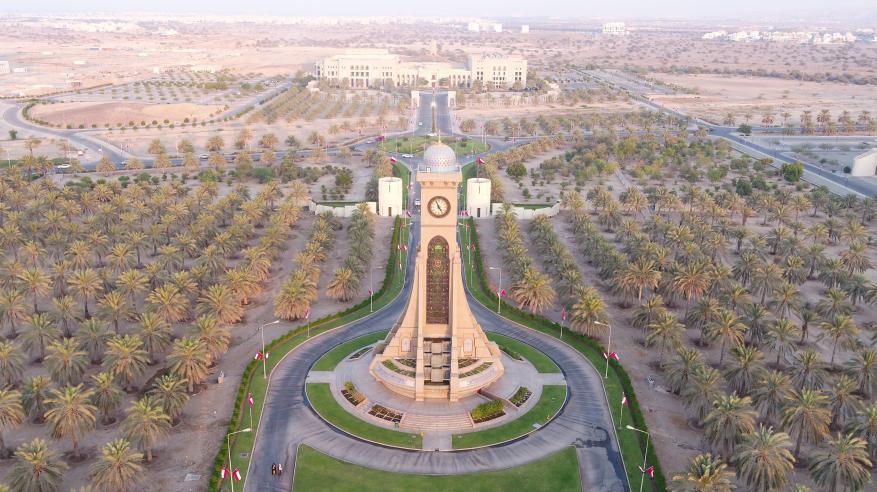 جامعة السلطان قابوس تعزز جهود الاستثمار لتغطية النفقات .. وخطط لتحقيق التمويل الذاتي مستقبلا