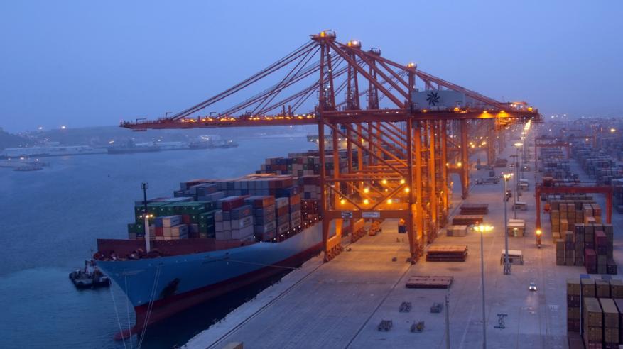 """3 آلاف تصريح إلكتروني لـ""""دول التعاون"""" للحصول على إعفاء من واردات المنشآت الصناعية"""