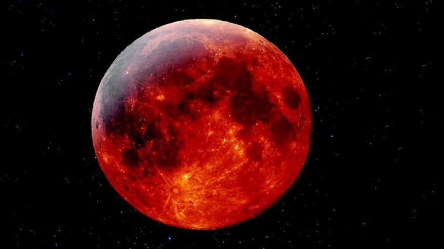 """خلال أيام.. """"القمر الدموي"""" يظهر في أطول خسوف في القرن الـ 21"""