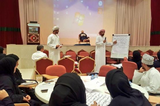 """75 مشاركا في حلقة العمل التدريبية حول """"الصحة المدرسية"""" بعبري"""