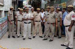 العثور على 11 جثة لعائلة هندية متدلية من سقف منزل