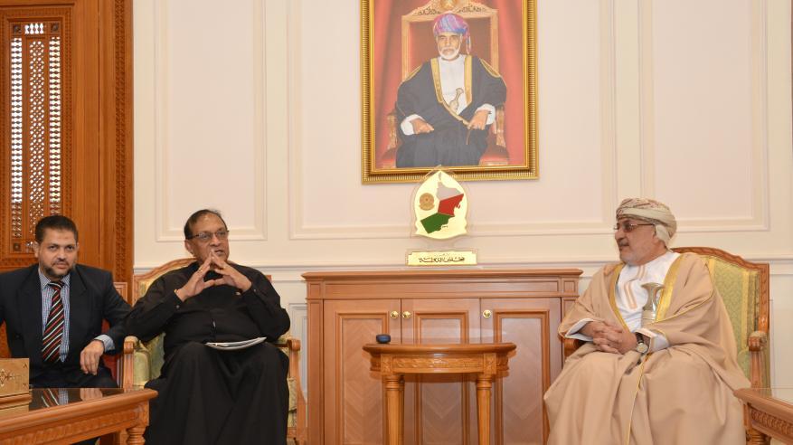 المنذري يبحث مع رئيس البرلمان السريلانكي تعزيز التعاون الثنائي في مختلف المجالات