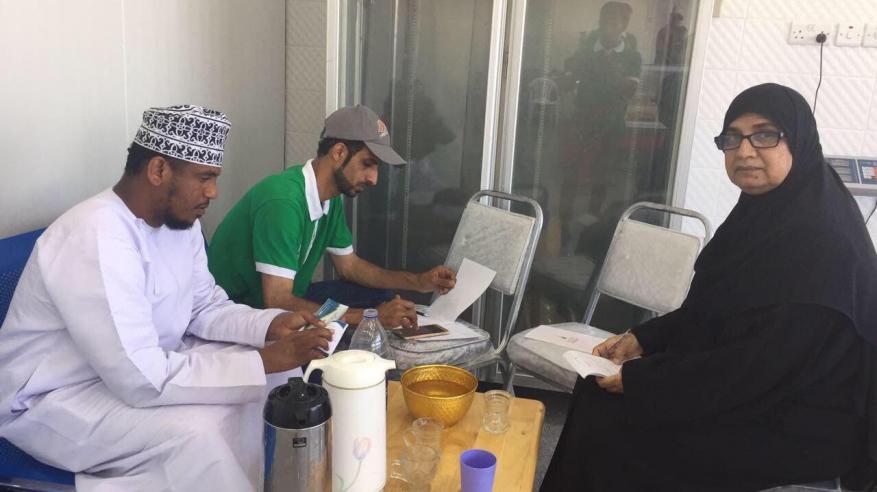 جمعية الرحمة تواصل توزيع لحوم الأضاحي