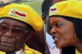 بالفيديو والصور..جيش زيمبابوي يستولي على السلطة ويؤكد : الرئيس وأسرته بخير