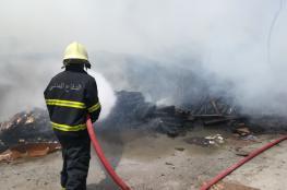 """""""الدفاع المدني"""" تسيطر على حريق بأحد المخازن في سمائل"""