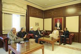 العوفي يبحث تعزيز التعاون الزراعي مع وفد إيراني