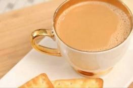 بريطانيا تحسم الجدل..الماء قبل الحليب في الشاي