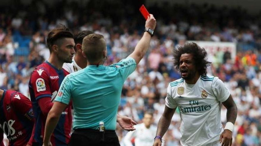 بالفيديو.. 3 ضربات قاسية لريال مدريد مع انطلاق الدوري الإسباني