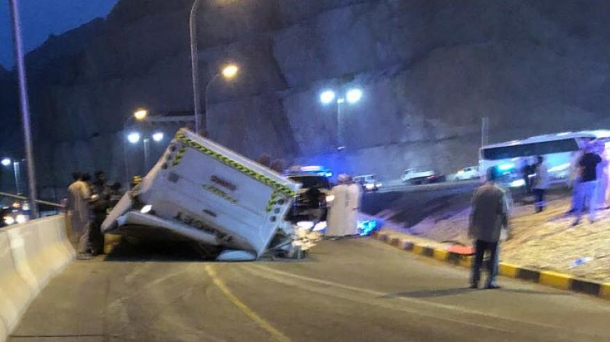 وفاة شخص وإصابة 23 في حادث تدهور حافلة بقنتب