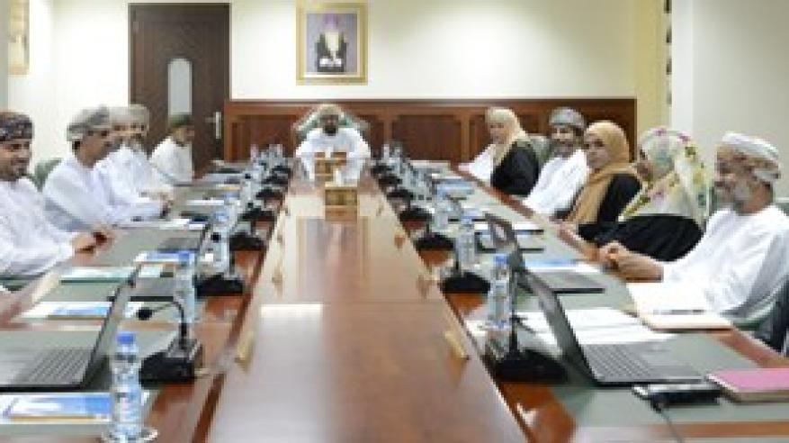 اللجنة العُمانية لحقوق الإنسان تعقد اجتماعها الثالث