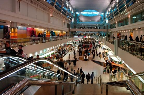 تحويل 15 رحلة في مطار دبي الدولي بسبب الأحوال الجوية