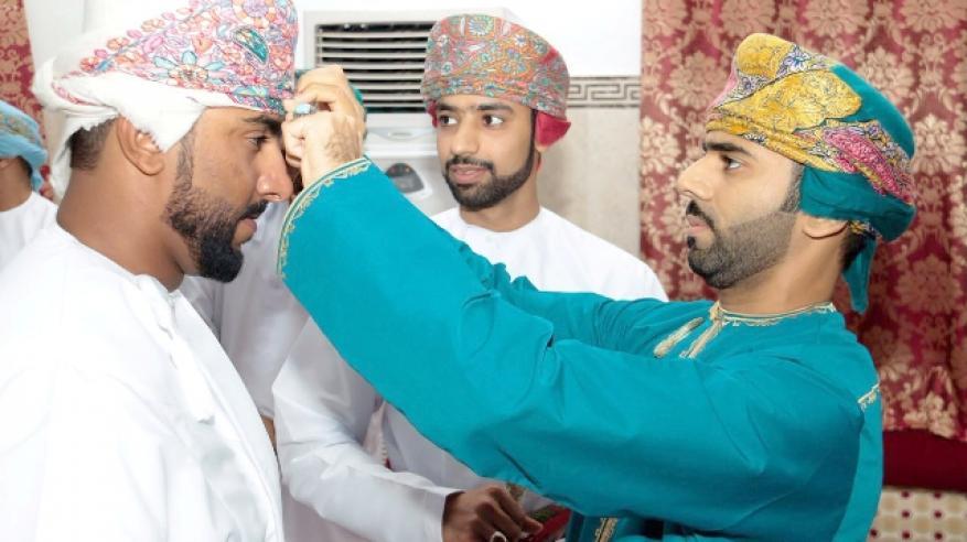 الزخرف ... الأزياء العمانية بين أصالة الماضي وحداثة اليوم