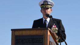 وزير الدفاع الأمريكي يؤيد إقالة قائد حاملة الطائرات روزفلت بسبب كورونا.jpg