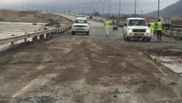 وزارة-النقل-تواصل-إعادة-فتح-الطرق-المتأثرة-بمحافظة-ظفار-بسبب-الأنواء-المناخية2.jpg