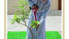 السلطان غرس شجرة.jpg2.jpg
