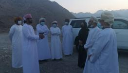 رئيسة الهيئة مع مجموعة مسؤولين ومواطنين من المحافظة .jpg