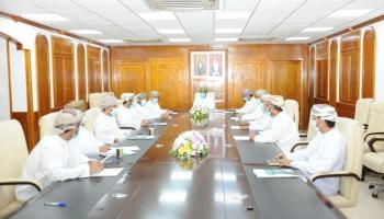 لجنة-الطوارئ-ببلدية-ظفار-تعقد-اجتماعا-لمناقشة-الاستعدادات-والتجهيزات-للتعامل-مع-الحالة-المدارية.jpeg