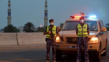 الشرطة كورونا منع الحركة الإغلاق التام (6).JPG