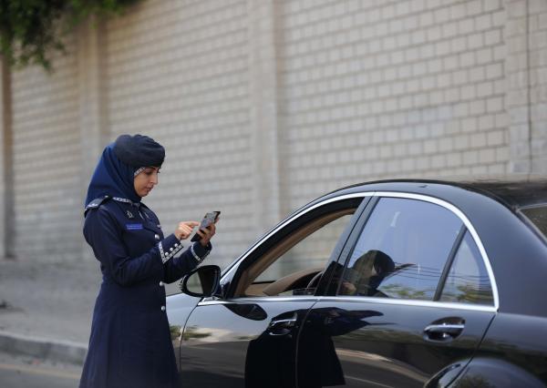 جهود لا تتوقف لتعزيز السلامة المرورية.. والإحصاءات تظهر تراجع وفيات الحوادث  | جريدة الرؤية العمانية