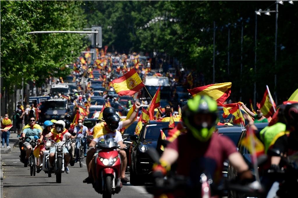 إسبانيا كورونا مظاهرات (5).jpg