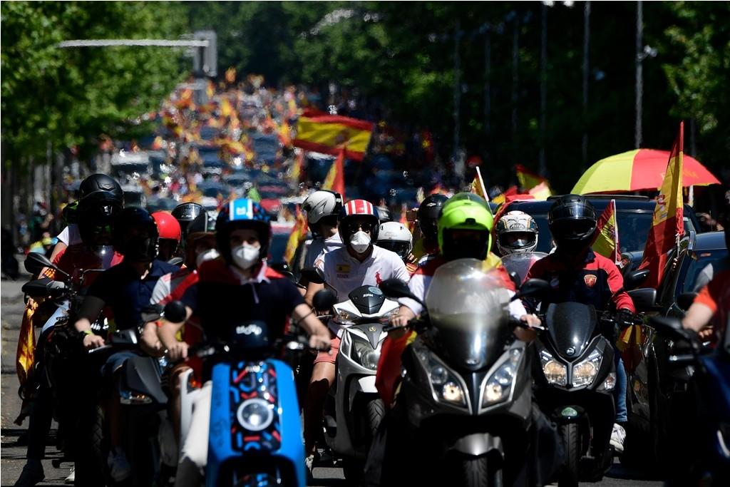 إسبانيا كورونا مظاهرات (4).jpg